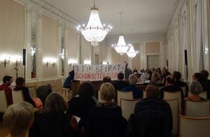 Protest bei Aufttakttagung des TTIP-Beirats im Stuttgarter Neuen Schloß am 30.09.2015